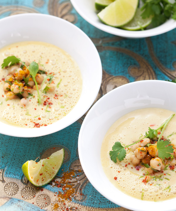 Zitronen-Couscous-Suppe mit Endivie und Minze