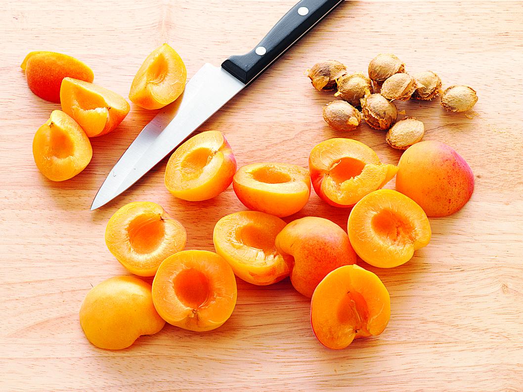 Käse-Aprikosen-Schnitten