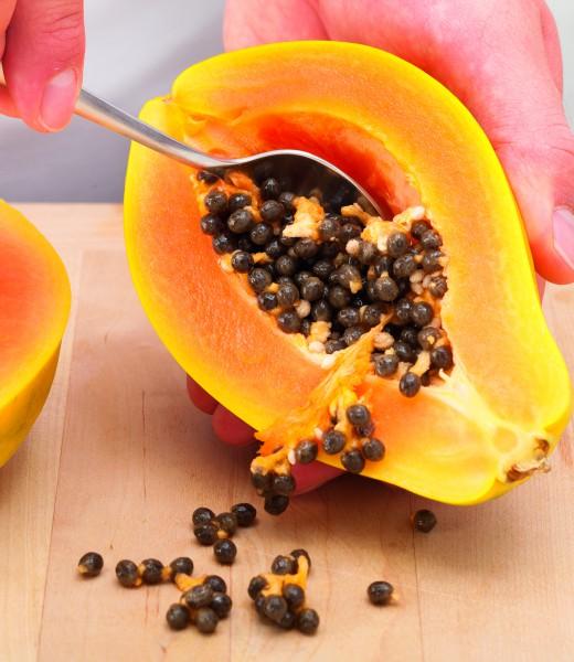 Papaya-Frucht-Drink mit Zimt