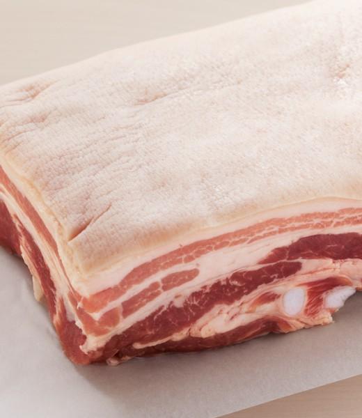 Schweinerücken im Ganzen gebraten