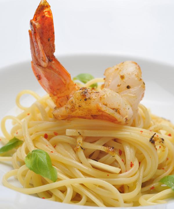 Spaghetti Aglio e Olio mit Riesengarnelen