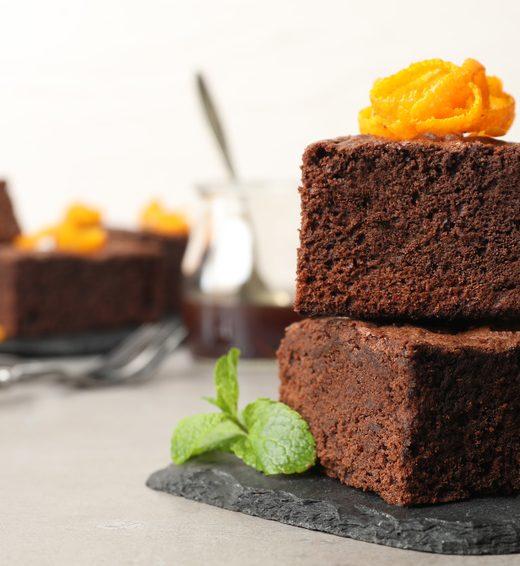 Schoko-Orangen-Kuchen mit Pistazien