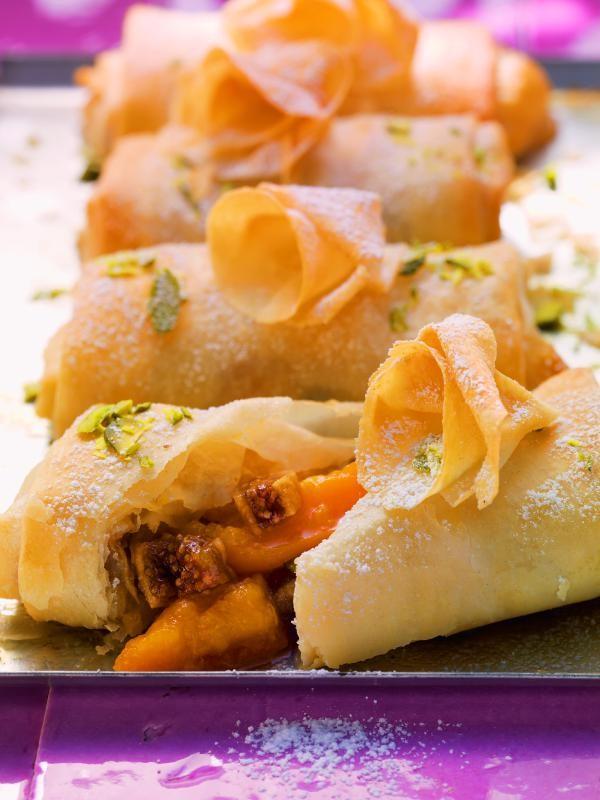 Aprikosen-Pastilla mit Vanillesahne