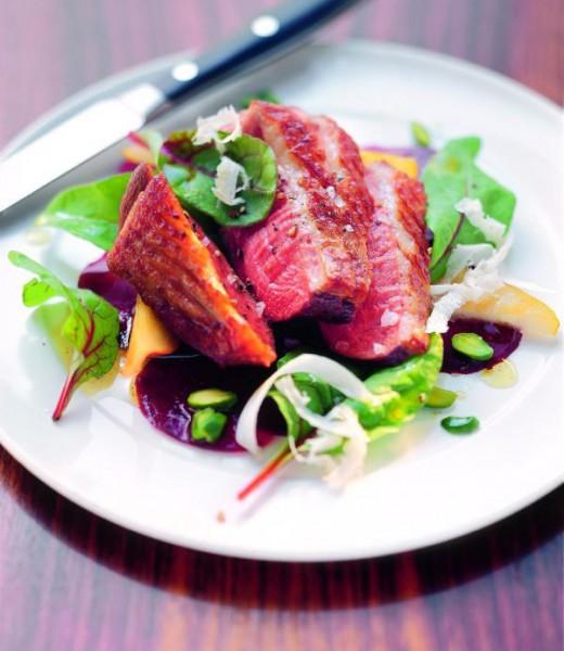 Barbarie-Ente mit Rote-Bete-Birnen-Salat