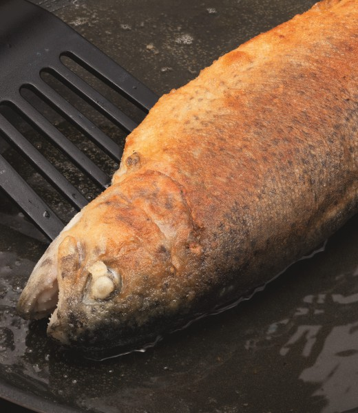 Forelle im Ganzen gebraten mit Steak- und Grillgewürz