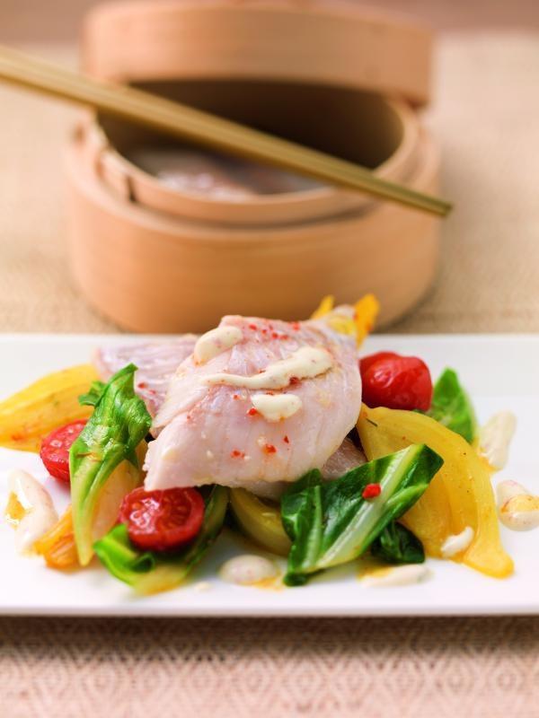 Gedämpfter Rotbarsch auf Fenchel-Safran-Gemüse mit Mangold