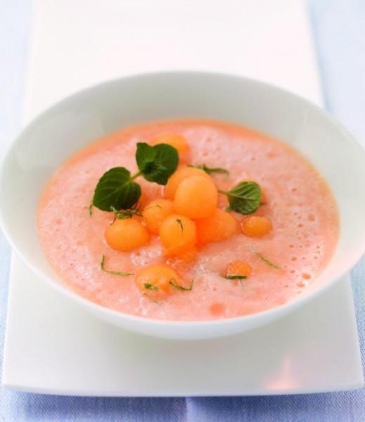 Geeiste Melonensuppe mit Minze