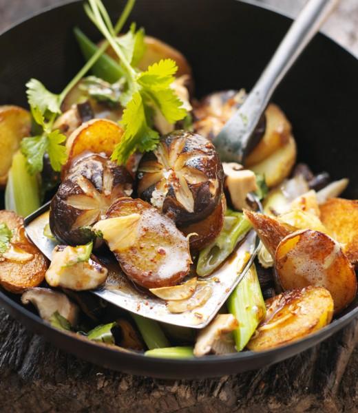 Gröstl von Kartoffeln und Shiitake-Pilzen
