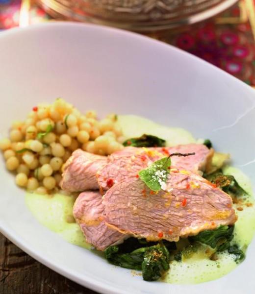 Kalbstafelspitz mit Spinat und Kurkuma-Senf-Sauce