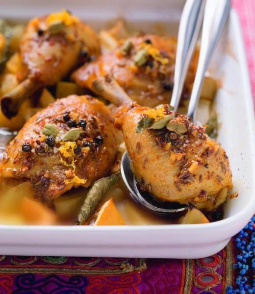 Orientalische Hähnchenkeulen auf Ofenkartoffeln