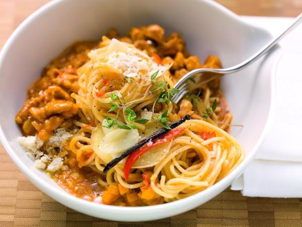 Schuhbecks Gewürzspaghetti mit Kalbsragout