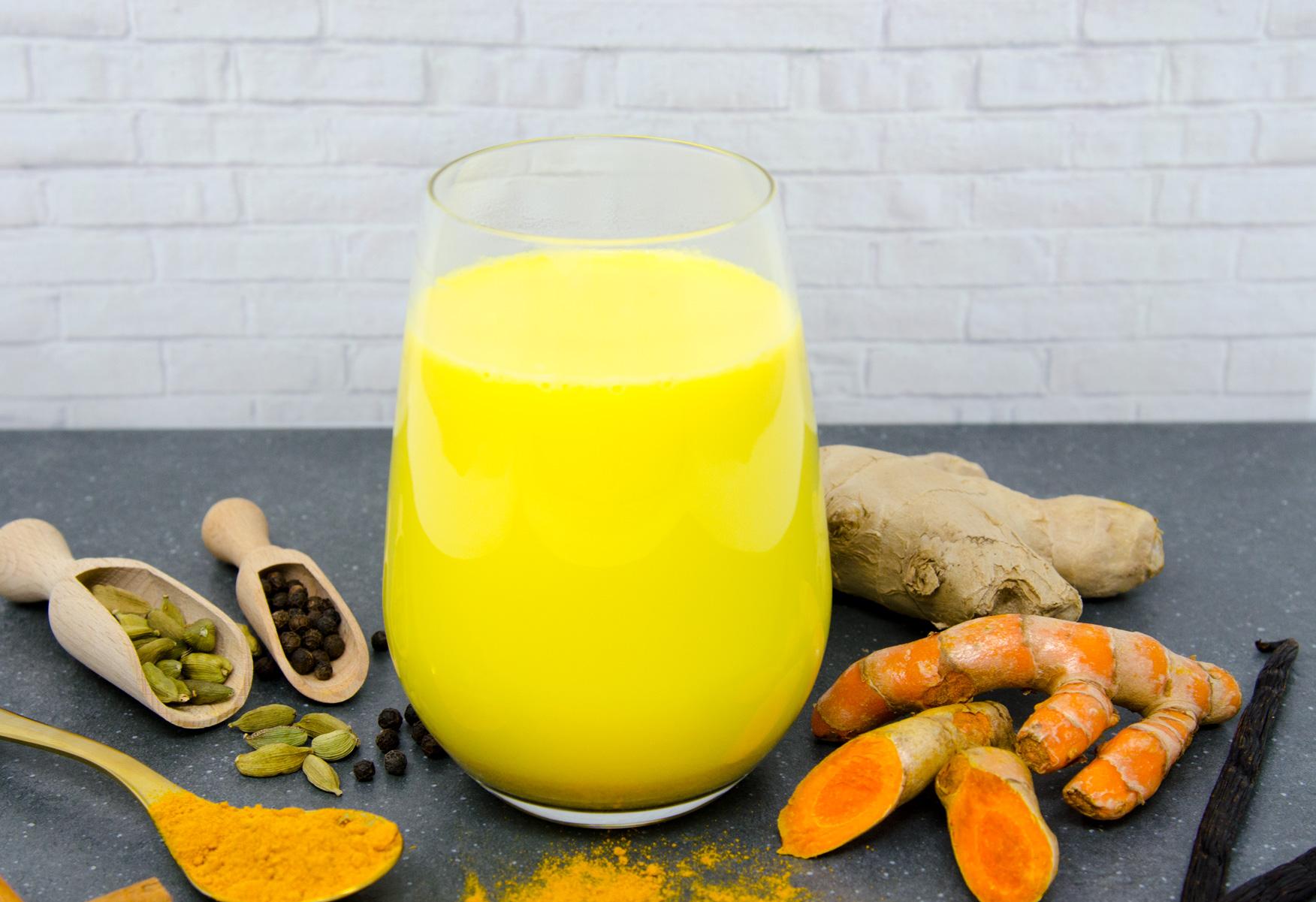 Kurkuma Latte (Goldene Milch)