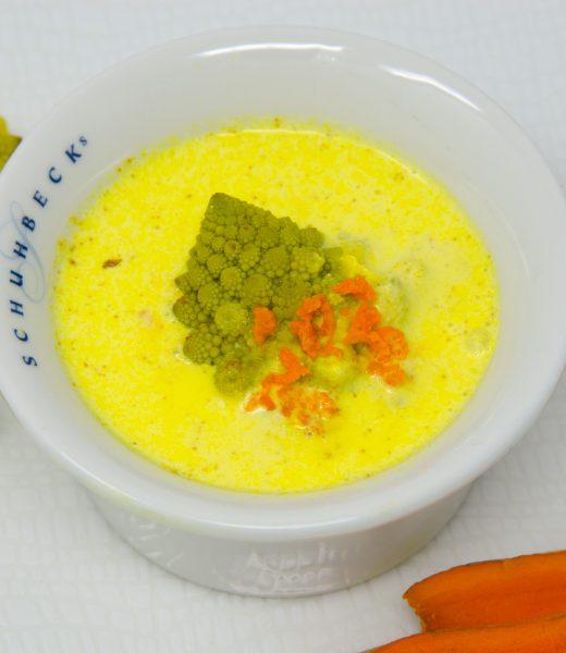 Goldene Blumenkohlsuppe