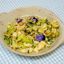 Chinakohl-Salat mit Joghurtdressing