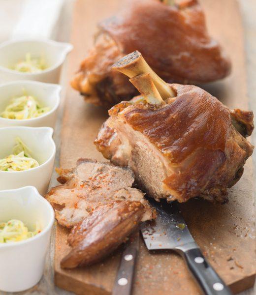 Schweinshaxen mit Krautsalat
